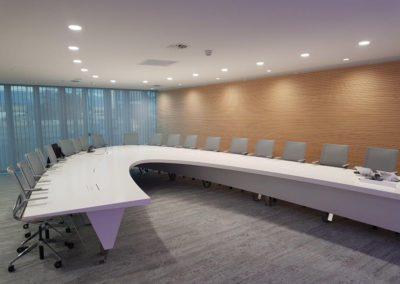 Grande table ovale en Corian®