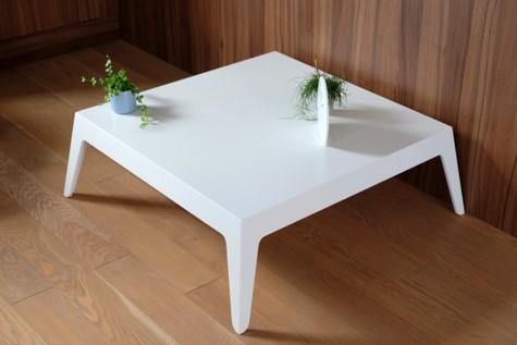 Table basse en Corian®