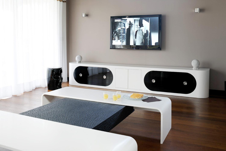 Meuble TV et table basse en Corian®